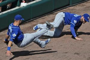 Royals' Mike Moustakas out for season with torn ACL