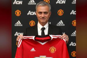 Manchester United announce Jose Mourinho as new manager