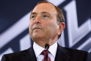 Gary Bettman responds to US Senator's concussion commen...
