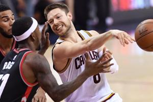 Report: Matthew Dellavedova agrees to offer with Bucks