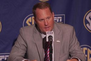 Hugh Freeze distancing from Ole Miss investigations