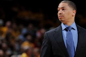 Cavs coach Tyronn Lue signs five-year, $35M extension