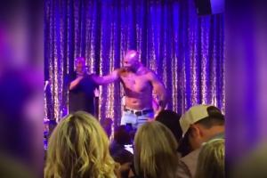 Jerry Rice dances shirtless, woos the ladies