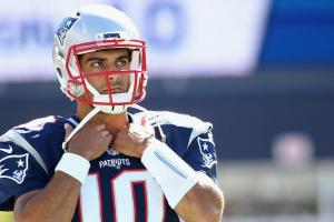 Patriots look to put Jimmy Garoppolo in managable situa...