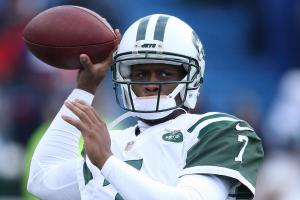 Ryan Fitzpatrick's holdout gives Geno Smith a chance