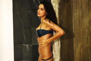 Swimsuit VR Irina Shayk Uncovered