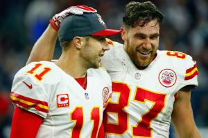 Travis Kelce: Alex Smith and I make up best QB-tight en...