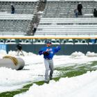 Mets pitcher Jonathon Niese didn't let the snow stop him from getting in his work. (AP)