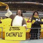 Buffalo Bills vs. Pittsburgh Steelers :: Kellen Micah/Icon SMI