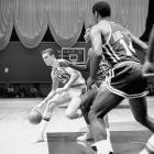 Sometimes remembered more for his unorthodox free-throw shooting than his prolific scoring, Rick Barry led the NBA with 35.6 ppg during the 1966-67 season. On Christmas Day, Barry surpassed his average, pouring in 50 points against the Cincinnati Royals.