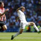 The star of Real Madrid's Champions League final triumph, di María is a tireless midfielder who combines an explosive change of pace with excellent dribbling ability to unlock defenses. His work rate allows him to continue at the same pace all game, long after opponents have dropped off.