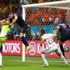 Stefan de Vrij of the Netherlands (right) scores a goal against Spain at Arena Fonte Nova on June 13.