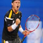 Lleyton Hewitt's record 17th straight Australian Open came to end quickly with a 7-6 (4), 7-5, 6-3 loss to No. 8 Janko Tipsarevic.