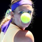 No. 1 Victoria Azarenka got past American Jamie Hampton 6-4, 4-6, 6-2 to reach the round of 16.