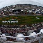 Danica Patrick and Jeff Gordon lead the field to the start of the Daytona 500.