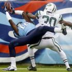 Tennessee wide receiver Justin Hunter completed this circus catch for a 16-yard touchdown pass against the New York Jets.