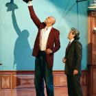 Kareem Abdul-Jabbar used his height to help Jay Leno change a lightbulb.