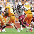Clowney storms into the Tennessee backfield.