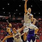 Aaron Gordon finished with 16 points, eight rebounds and five of Arizona's 11 blocks.