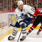 The numbers aren't bad by his standards -- 23 points in 25 games -- but on too many nights Sundin has failed to be one of the Leafs' best players, let alone the alpha dog that he's paid to be. In fact, Toronto was more potent (4-2-1) when he missed seven games to injury than they have been since his largely ineffective return (1-6-1).
