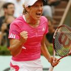 Justine Henin carried the momentum of her quarterfinals defeat of Serena Williams into the semifinals, playing aggressive tennis and preventing Jankovic from succeeding on the baseline or at the net.
