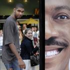 """Tim Duncan couldn't look Eddie Murphy in the eye at the premiere of """"Meet Dave"""" this past Tuesday."""