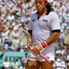 Guillermo Vilas beats Jimmy Connors to win his first and only U.S. Open.