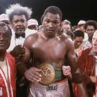 Larry Holmes knocks out Alfredo Evangelist in seven rounds to maintain the WBC heavyweight title.