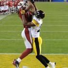 Larry Fitzgerald made an incredible catch in the fourth quarter to bring the Cardinals to within 20-14.