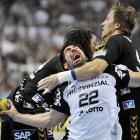 John Mayer has awkward guitar face, Nikola Karabatic has awkward handball face.