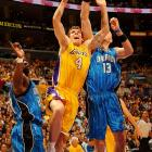 Walton (nine points, 4-of-5 shooting) joined with Lamar Odom to give the Lakers solid production off the bench.