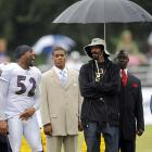 Ray Lewis thinks Snoop Dogg's hat is ridiculous, but then again Ray Lewis doesn't have an umbrella man, DOES HE?