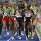 Vivian Cheruiyot (center) and fellow Kenyan Sylvia Kibet (right) finished 1-2 in the women's 5000.