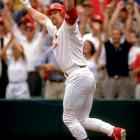 1998 In the first inning at Busch Stadium, Cardinal first baseman Mark McGwire ties Roger Maris' single season home run mark hitting his 61st in a national televised Labor Day game against the Cubs. Big Mac hits his historic homer on his dad's 61st birthday.