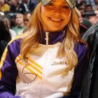 Ms. Panetierre, so prominently featured in last week's gallery, surely likes her Lakers games. Here she is again at Staples Center as her brave lads take on those nasty Chicago Bulls.