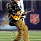The Motor City Madman unleashed his mash-up of Stranglehold and The Star-Spangled Banner on the unsuspecting public before the Eagles-Cowboys playoff game in Arlington,Texas.