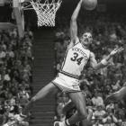 The second-leading scorer in Kentucky history and a two-time All-America, Walker led the Wildcats to three Sweet 16 appearances, including the 1984 Final Four. He battled knee injuries during his NBA career, spent mostly with the Knicks, but he won the 1989 Slam Dunk Contest.
