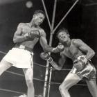 On the undercard of the lightweight title fight between Ike Williams and Jesse Flores, Robinson won a controversial decision in the first of two unforgettable clashes with the future welterweight champ from Cuba.