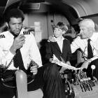 Kareem Abdul-Jabbar isn't an actual pilot, but he played one in the hit 1980 movie <italics>Airplane!</italics>