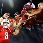 A defensive battle netted just four field goals all game until Arizona's Nick Foles found receiver Juron Criner on a three-yard touchdown pass with 1:11 remaining in the fourth quarter to give the Wildcats the win. Arizona squeezes by the Golden Bears to improve to 4-0 before facing No. 24 Oregon State next Saturday.