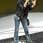 If he could walk this way, he wouldn't need the baby powder. Aerosmith's famed front man and appraiser of talent gave the National Anthem some sweet emotion before Boston's Bruins battled the Capitals.
