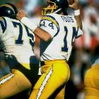 Throughout his 15-year NFL tenure, Dan Fouts decimated opposing defenses.  The quarterback accrued over 43,000 passing yards and 254 touchdowns, earning him MVP honors twice.  In 1987, however, Fouts' final season went out with more of a whimper than a bang.  The Chargers lost their final six games to miss out on playoff action.