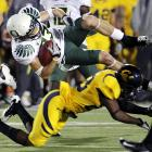 Jeff Maehl caught a 29-yard touchdown pass and Oregon got stellar effort from its defense and a huge break on a missed field goal. Cliff Harris returned a punt 64 yards for the only touchdown in the first half by the Ducks (10-0, 7-0 Pac-10), who wobbled on the road to the BCS title game. Darron Thomas led a final drive that chewed up the last 9:32 after a stellar defensive effort by the Bears, who held the nation's most potent offense to a season-low in yards. Giorgio Tavecchio missed a 29-yard field goal in the fourth quarter for Cal that would have given the Golden Bears a 16-15 lead.