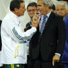 "Completing a miserable World Cup, French manager Raymond Domenech refused to shake the hand of South Africa coach Carlos Alberto Parreira after France was eliminated. Instead, Domenech shook his finger at Parreira and tried to walk away. Asked afterward why he did what he did, Domenech said, ""I have no intention of replying to this question. Parreira said he believed Domench was upset because Parreira talked to reporters about France's controversial pre-World Cup win over Ireland."