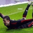 After experiencing engine trouble, Tranquillo Barnetta of Leverkusen came in for a dramatic emergency landing on the pitch at Germany's BayArena.