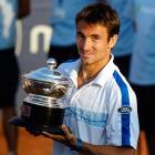 def. Santiago Giraldo, 6-2, 2-6, 7-6 (5) ATP World Tour 250, Clay, $398,250 Santiago, Chile
