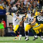 Steelers quarterback Ben Roethlisberger throws a pass to his right during the first quarter of Super Bowl XLV.