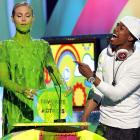 The revered supermodel looked a little green around the gills at the Nickelodeon Kids' Choice Awards in LA.