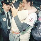 Frank Viola shares a kiss with his wife, Kathy, after the Twins captured the 1987 World Series.
