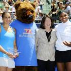 As civilization continues its relentless encroachment on natural habitats, reports of grizzly bear sightings continue to rise. Herewith, more proof from the WTA Bank of the West Classic Championship in Stanford, CA where Williams (far right) bested Marion Bartoli (far left).